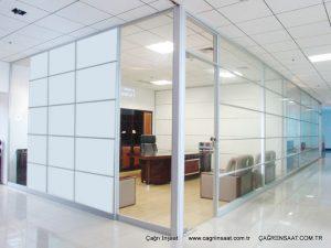 tam cam şeffaf ve düz camlı ofis bölme