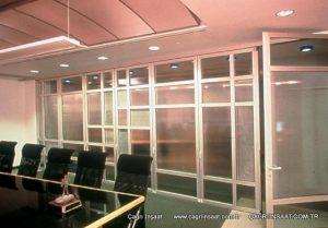tamamı cam kapaklı sistem ofis bölme