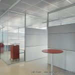 Şeffaf tek camlı bölme duvar