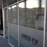 ofisler içinde alüminyum profilli bölme
